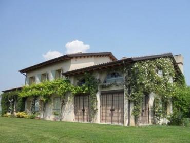 Villa V featured